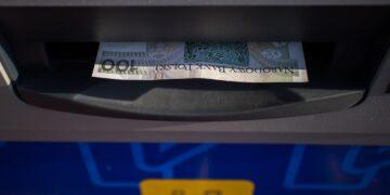 Euronet przejmuje sieć bankomatów Credit Agricole