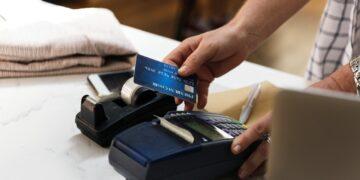Najchętniej płacimy kartą lub telefonem