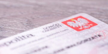 Jak powinno wyglądać zdjęcie do dowodu osobistego i paszportu?