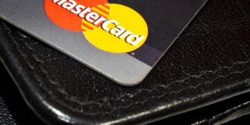 """Promocja: """"Mastercard – karta praktyczna i ładna"""" w SGB Banku"""