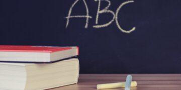 Nowy rok szkolny rozpoczęło ponad 4,5 mln uczniów