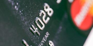 Dominacja płatności elektronicznych w zakupach Polaków