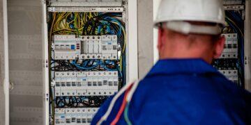 Ceny prądu w Polsce. Ile kosztuje 1 kWh?