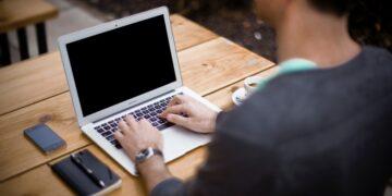Ile zarabia aplikant notarialny?