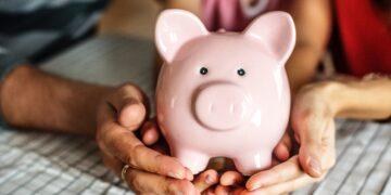 Ile pieniędzy odkładają miesięcznie Polacy?
