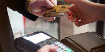 SGB-Bank zwiększalimit transakcji bezgotówkowych do 100 zł