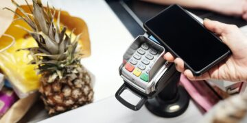 Płacimy przelewem na telefon więcej niż kiedykolwiek
