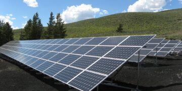 PKO BP zachęca do instalowania paneli fotowoltaicznych